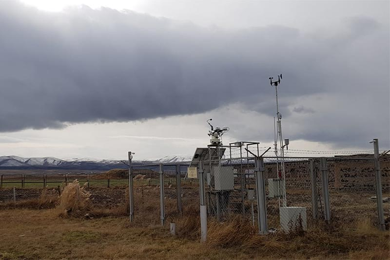 The measurement station for the Masrik solar plant. Photo: Dmitrij Semeniuk