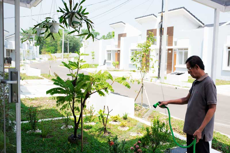Residents at Citra Maja Raya enjoy not only a better housing situation but also savings due to lower electricity bills.